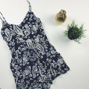 BLUE AND CREAM PATTERNED ROMPER